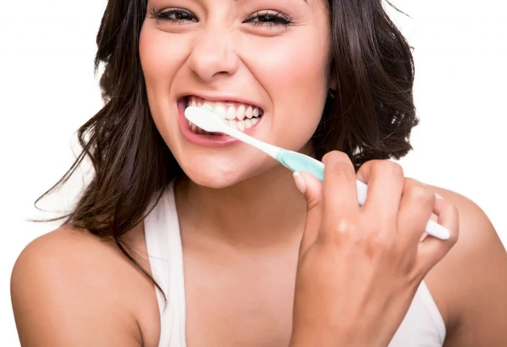 How to Clean Your Teeth Properly – More Than The Toothbrush